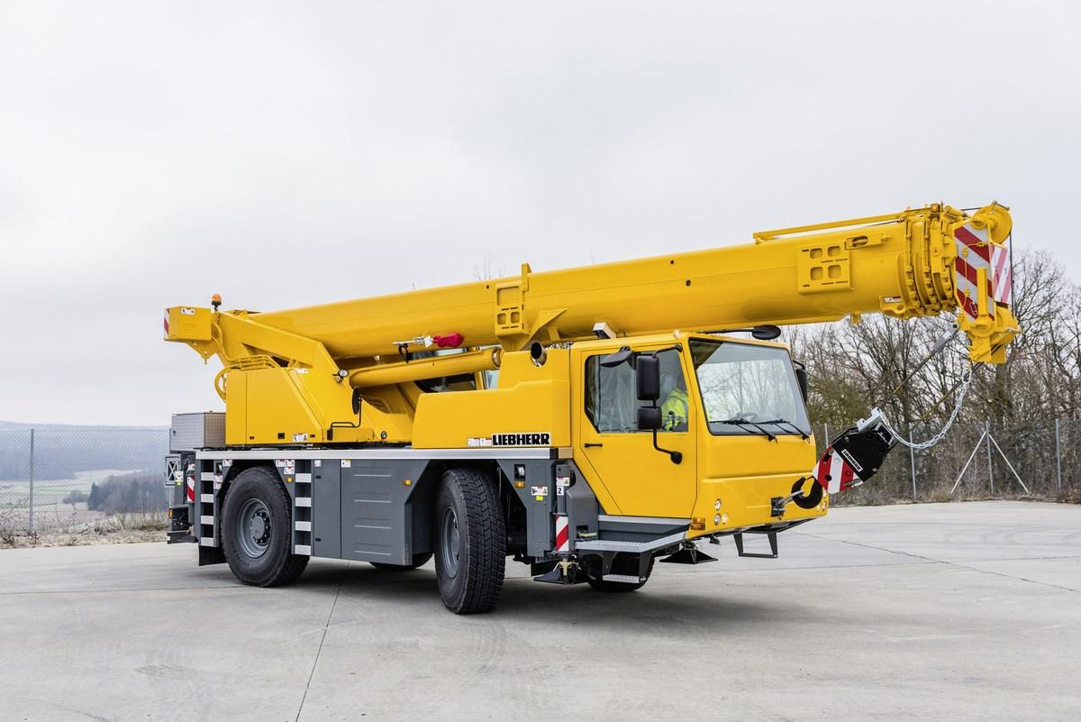 LIEBHERR LTM 1040-2.1 40 тонн